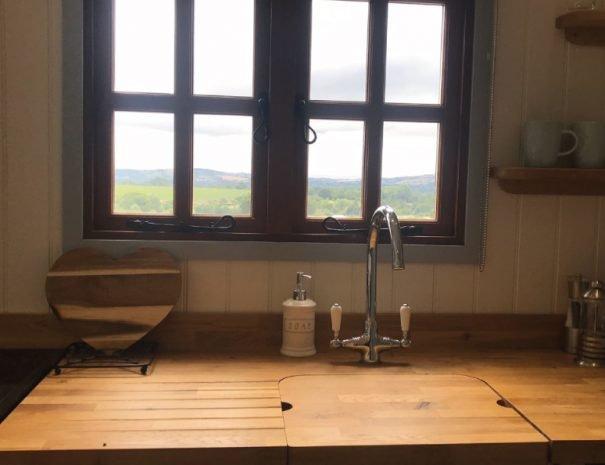 Rest-Kitchen-Window